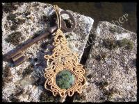 Pendentif volupte jade nephrite