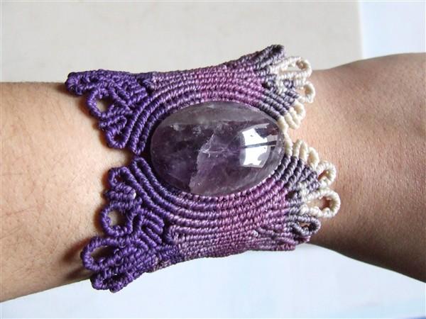 Bracelet végétal porté