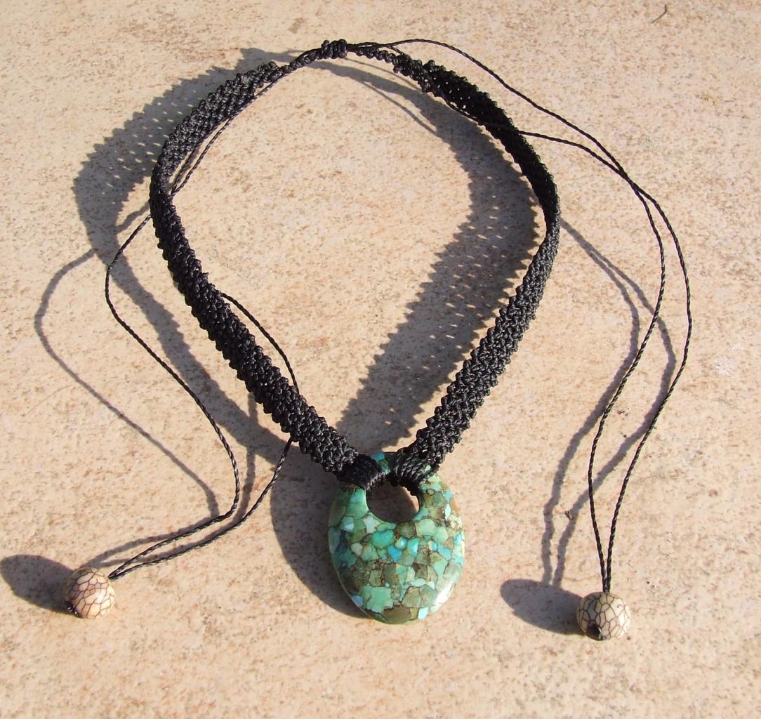 collier ras de cou avec turquoise