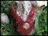 Collier plastron dentelle calcedoine peau de serpent